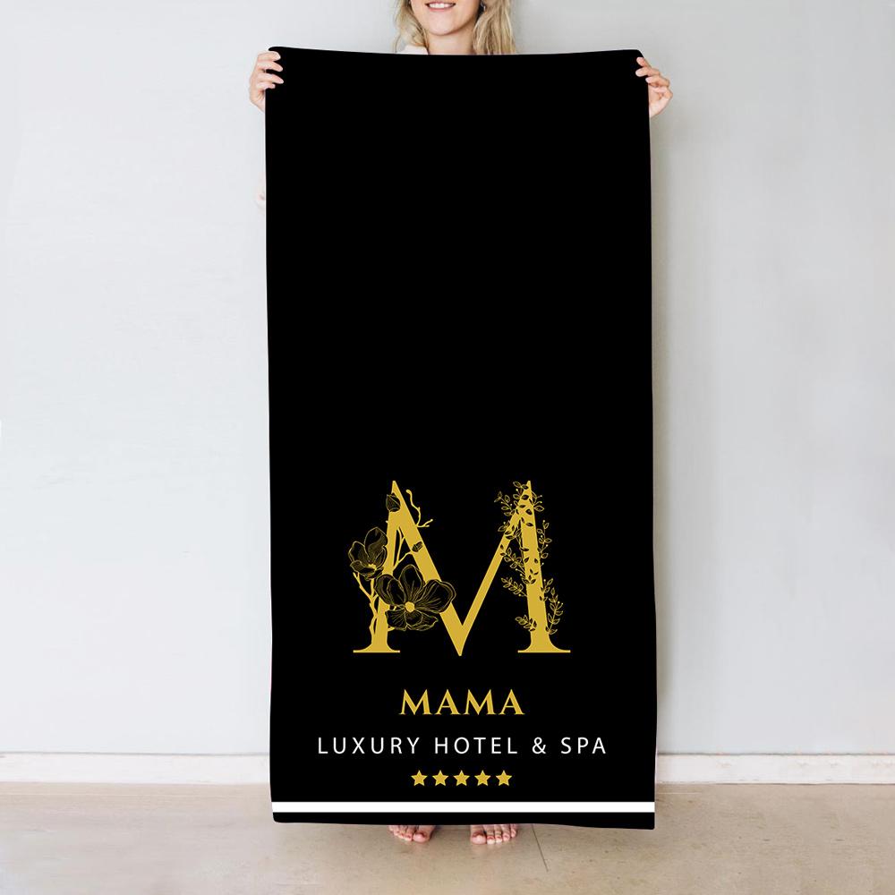 Geschenke für Mama Handtuch Monogramm im Hotel-Design