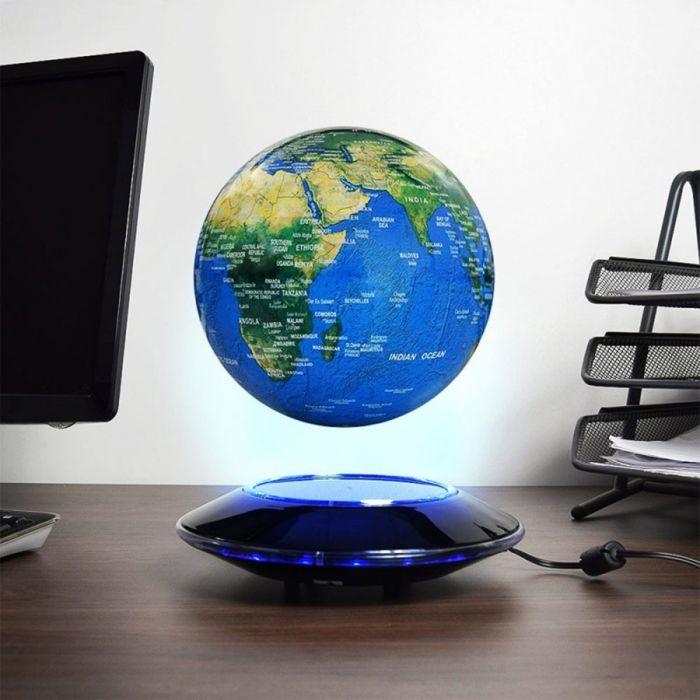 Leuchtend-schwebender Globus