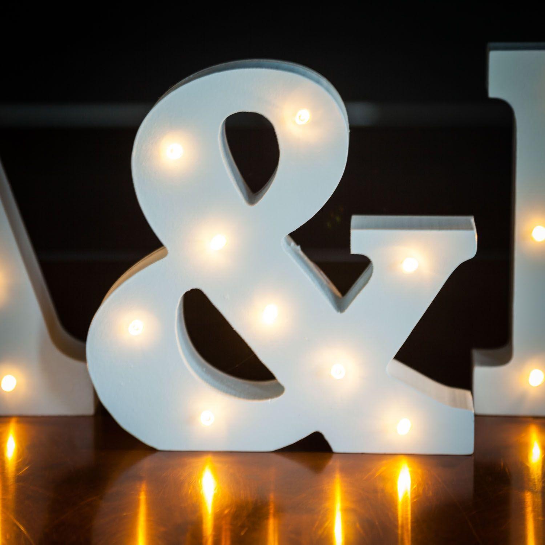 Beleuchtete Holz Buchstaben