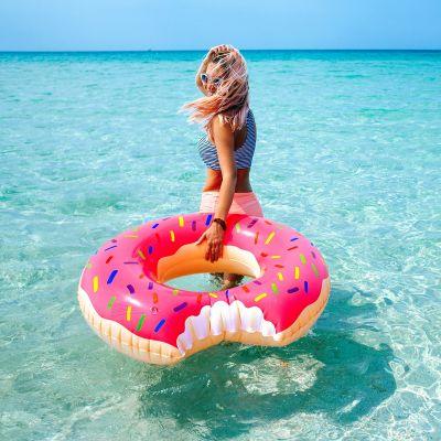 Geschenke für Frauen - Riesen Donut Schwimmreifen
