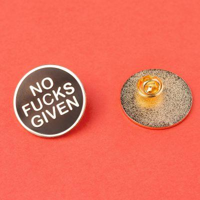 Adventskalender füllen - No Fucks Given Anstecknadel