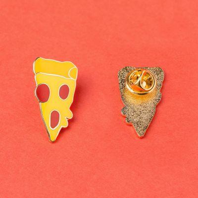 Adventskalender füllen - Pizzaschnitte Anstecknadel