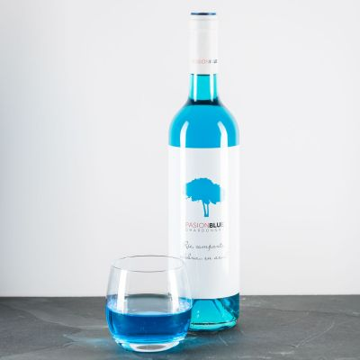 Alkohol - Chardonnay in Blau