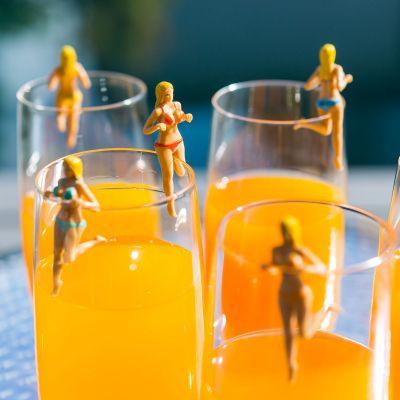 Geburtstagsgeschenke für Frauen - Bosom Buddies Getränkemarker
