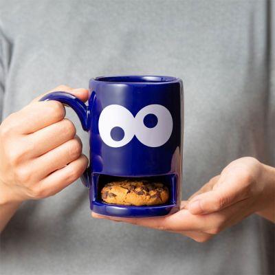 Witzige Geschenke - Monster-Tasse mit Keks-Fach
