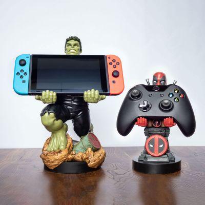 Spiel & Spass - Marvel Smartphone-Halter mit Ladekabel