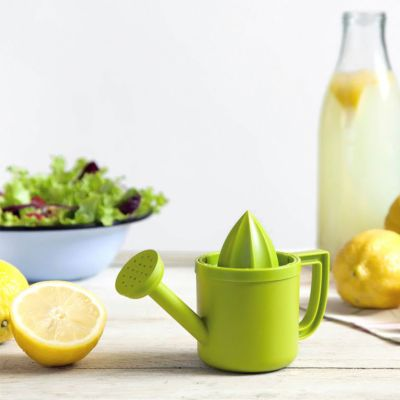 Ostergeschenke - Lemonière Zitronenpresse in Gießkannenform