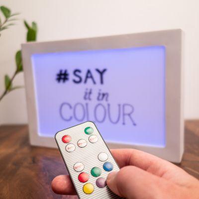 Beleuchtung - Beidseitig personalisierbare Leuchttafel mit Farbwechsel