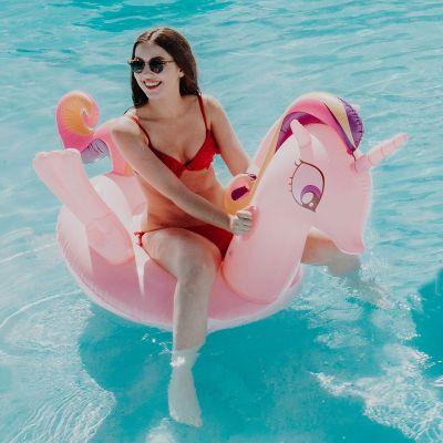 Draußen - Rosa Einhorn Schwimmliege mit Glitzer
