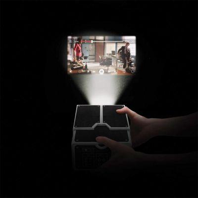 Geburtstagsgeschenke für Männer - Smartphone Projektor aus Karton