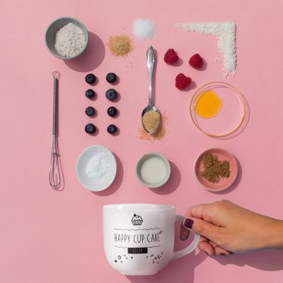 Neu bei uns - Kaffeetasse mit veganem Tassenkuchen-Rezept